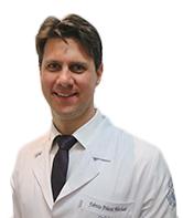 Dr. Fabrício Pelucci Machado